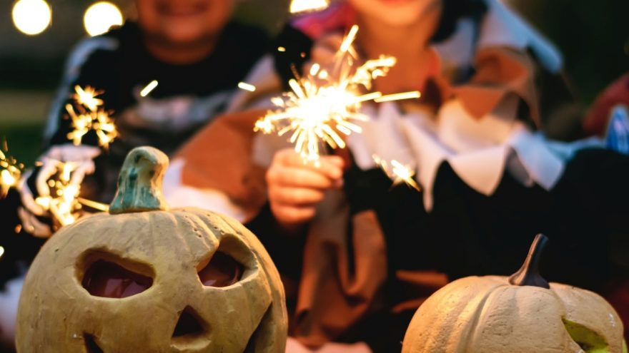 Find out how to throw the perfect kid-friendly halloween party.