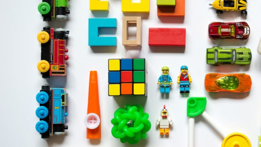 Here you can read about the reasons kids need gender-neutral toys.